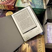 Е-книги обогнали издания для массового рынка по январским продажам в США