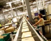 Сотрудники европейских филиалов Amazon недовольны условиями и оплатой труда