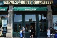 Леонард Ридджио продал часть акций Barnes & Noble