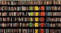 Книжный лидер 2012 года по наименованиям — «Эксмо», по тиражам — «Олма Медиа Групп»