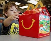 McDonald's надеется продать детям в Британии 15 миллионов книг