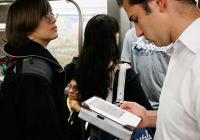 В московском метро предлагают начать продажу е-книг