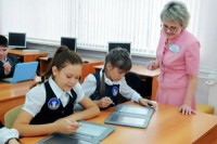 Весной в школах Москвы появятся электронные учебники