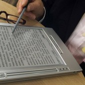 Нижняя палата парламента Франции не снизила ставку НДС на е-книги