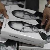 В США за неделю продано 379 000 печатных копий биографии Стива Джобса