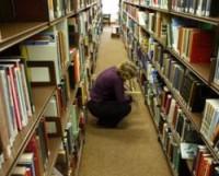 При библиотеках Барселоны откроются книжные магазины