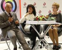Профессионалы обсудили на ММКВЯ цензуру, пиратство и монополизацию книжного рынка