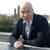 Ведомости — Олег Новиков: «Больше не надо идти на бессмысленную покупку авторов»
