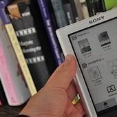 Доли е-книг на рынках США и Британии оценены в 6%